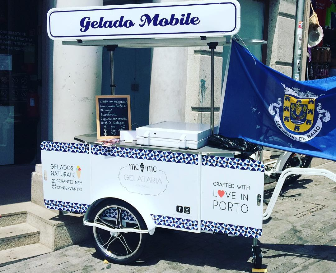 Momo Gelataria ice cream cart made by BizzOnWheels