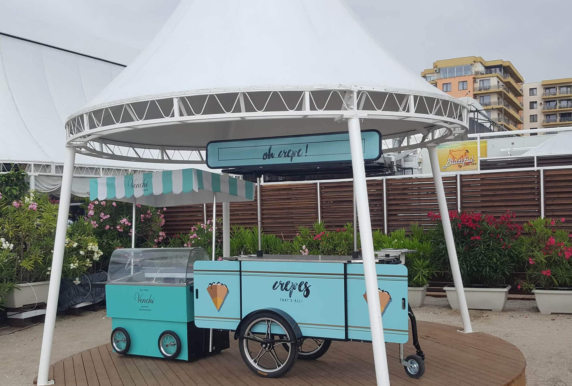 Crepe cart made by Bizz On Wheels