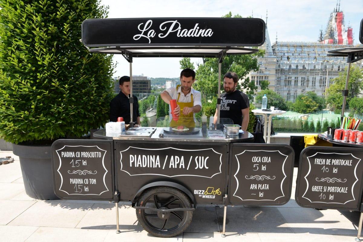 Street food cart by Bizz On Wheels