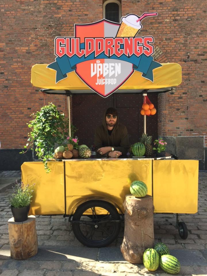 Fruit vendor cart by Bizz On Wheels