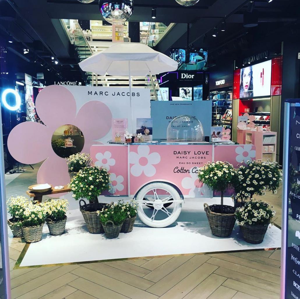 Cotton candy vending cart by Bizz On Wheels
