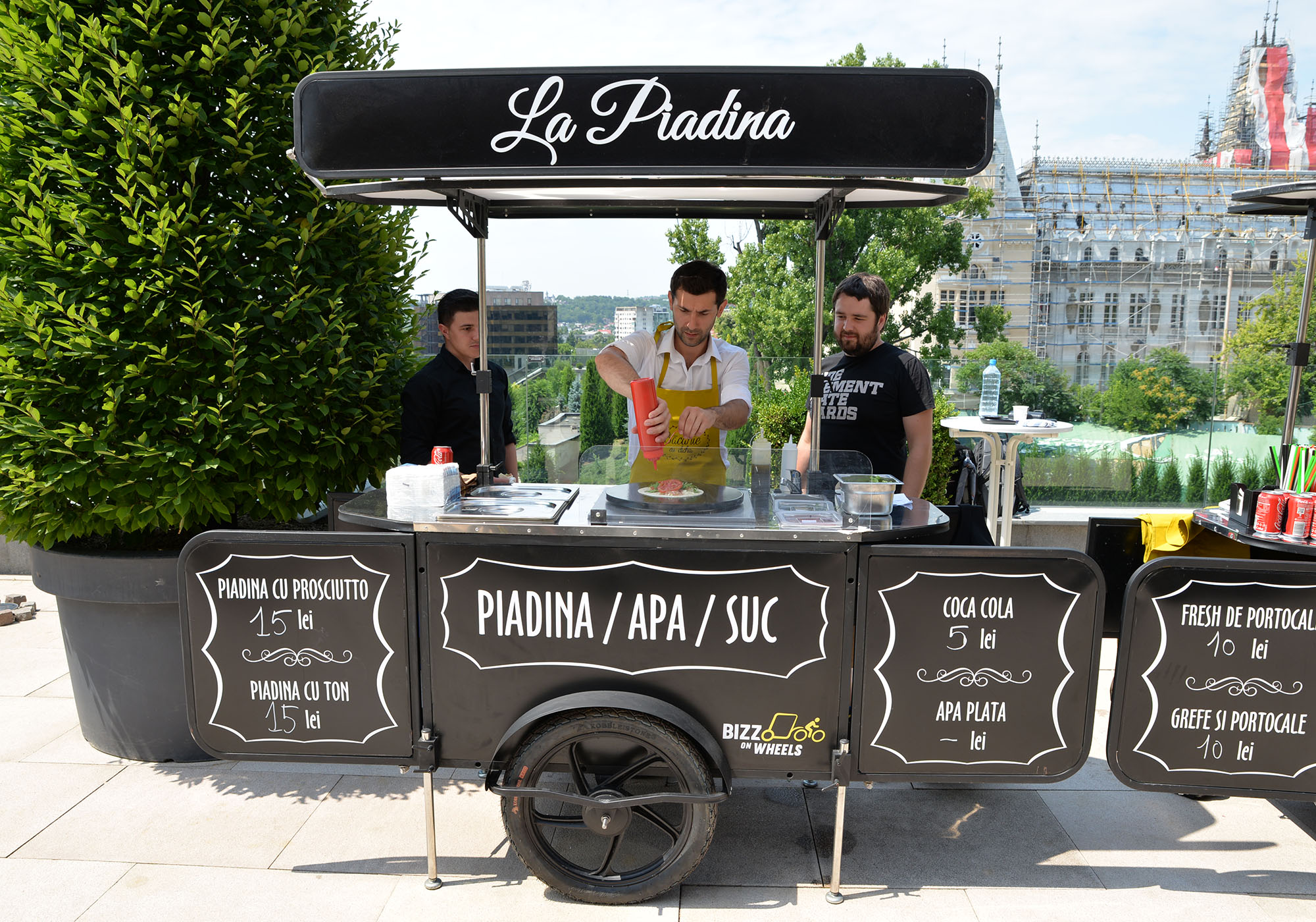 Piadina food cart by Bizz On Wheels