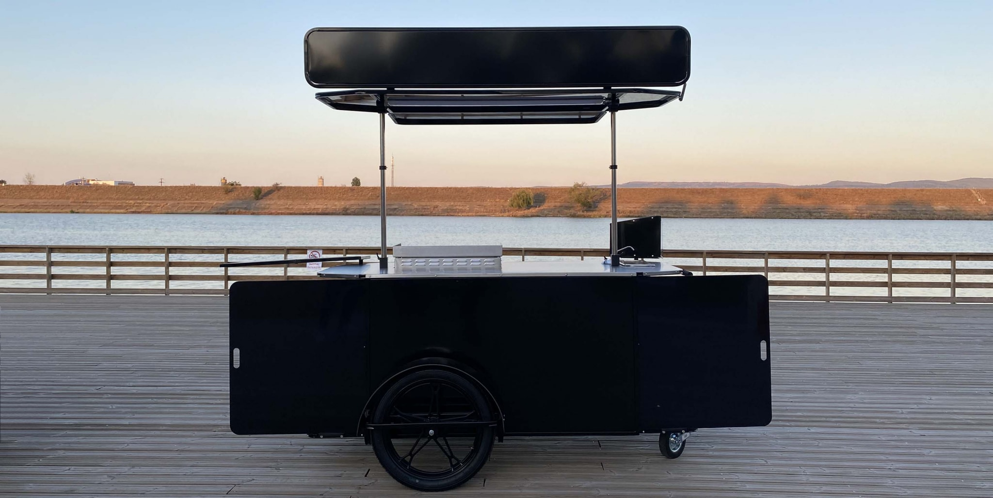 Burger Cart XL by BizzOnWheels