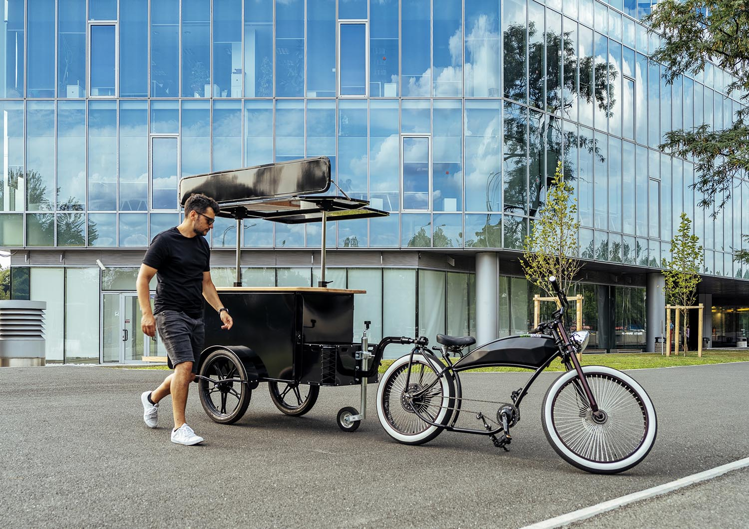 Bike towable food cart manufactured by BizzOnWheels