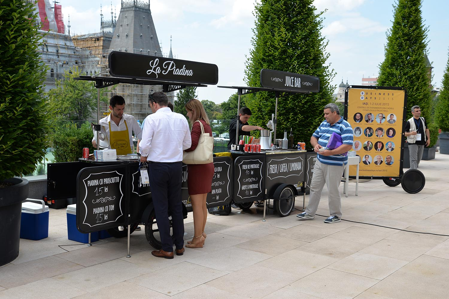 Food and beverage carts manufactured by Bizz On Wheels