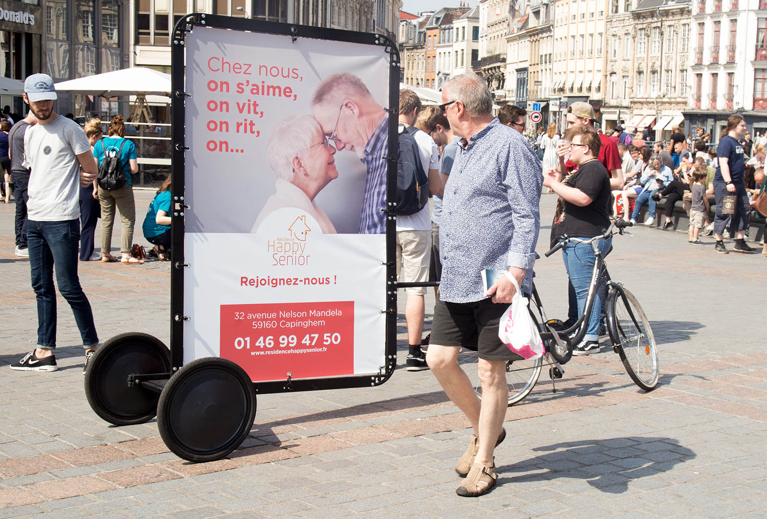 Outdoor advertiwing with AdBicy mobile billboard
