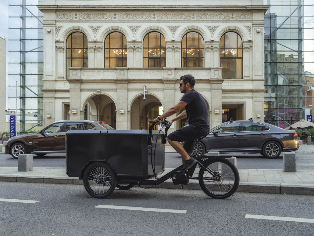 Electric Cargo Bike TR01 on bicycle lane