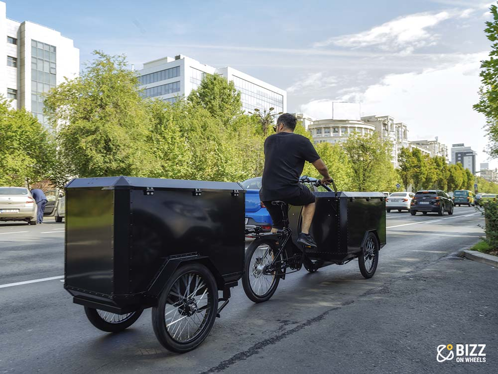 Electric cargo bike with trailer
