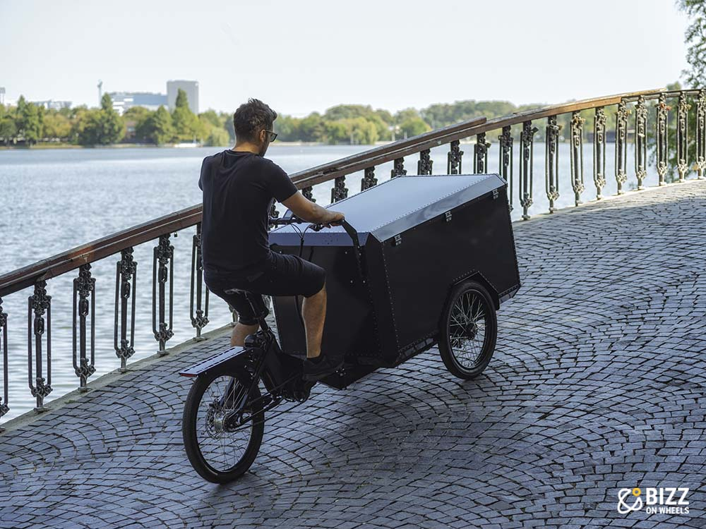 Electric cargo trycicle
